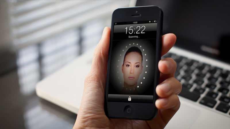 باز کردن آیفون 8 با تشخیص چهره کاربر