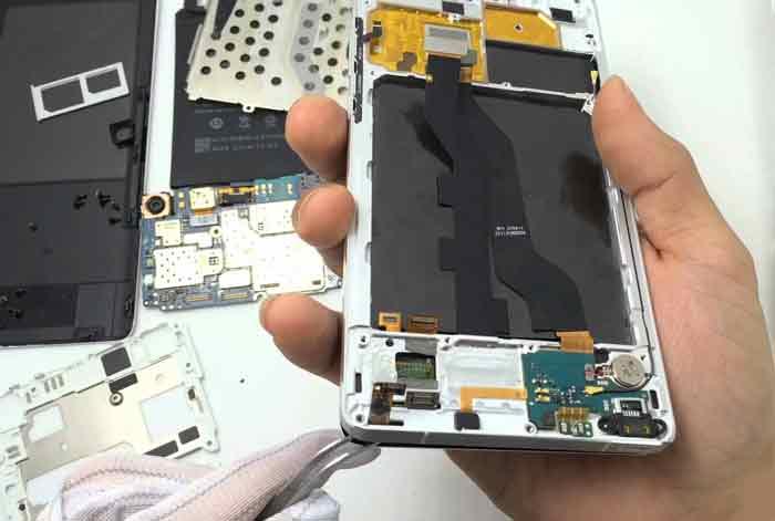 روش های سوء استفاده مراکز تعمیرات موبایل از شما