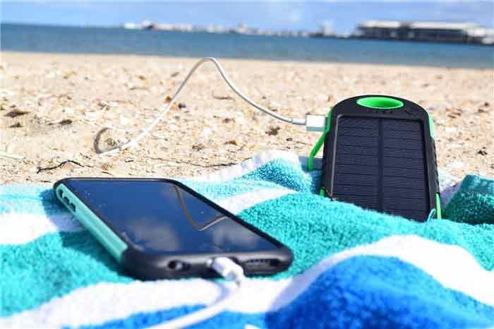خرید شارژر گوشی موبایل؛ شارژر خورشیدی تلفن همراه