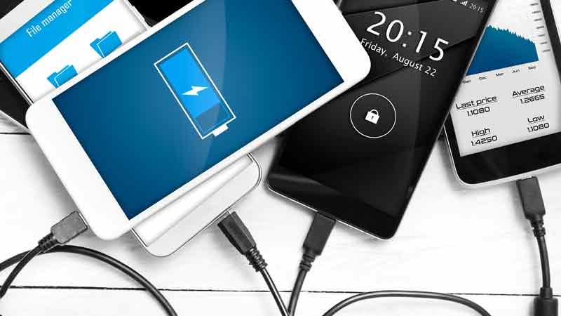 راهنمای خرید شارژر گوشی موبایل؛ کدام شارژر مناسب شماست؟