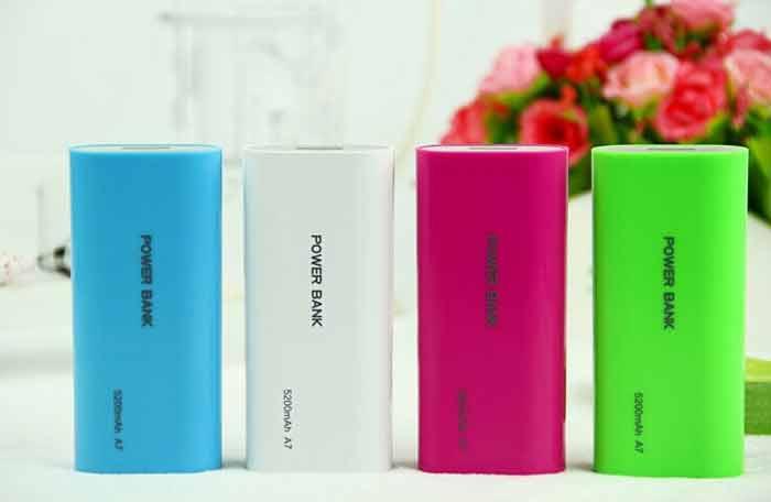 راهنمای خرید انواع شارژر گوشی موبایل؛ شارژر فوری یا پاوربانک